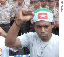 papua_protesters_indonesia_5jul07_eng_195.jpg